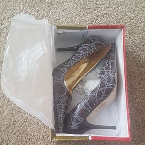 Shoes - heels, shoes